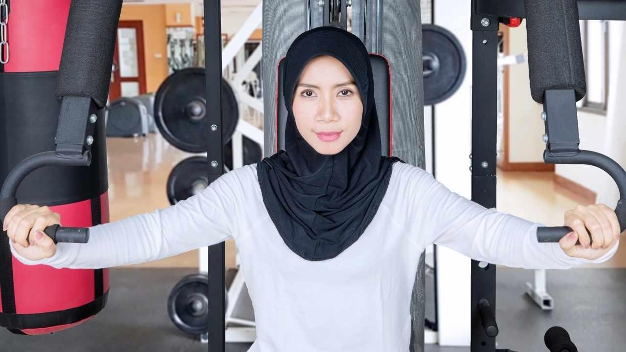 Ini dia rekomendasi baju olahraga muslim wanita yang nyaman digunakan